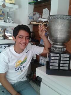 Pedro Marcondes Correa e o Troféu de Campeão Brasileiro de Optimist