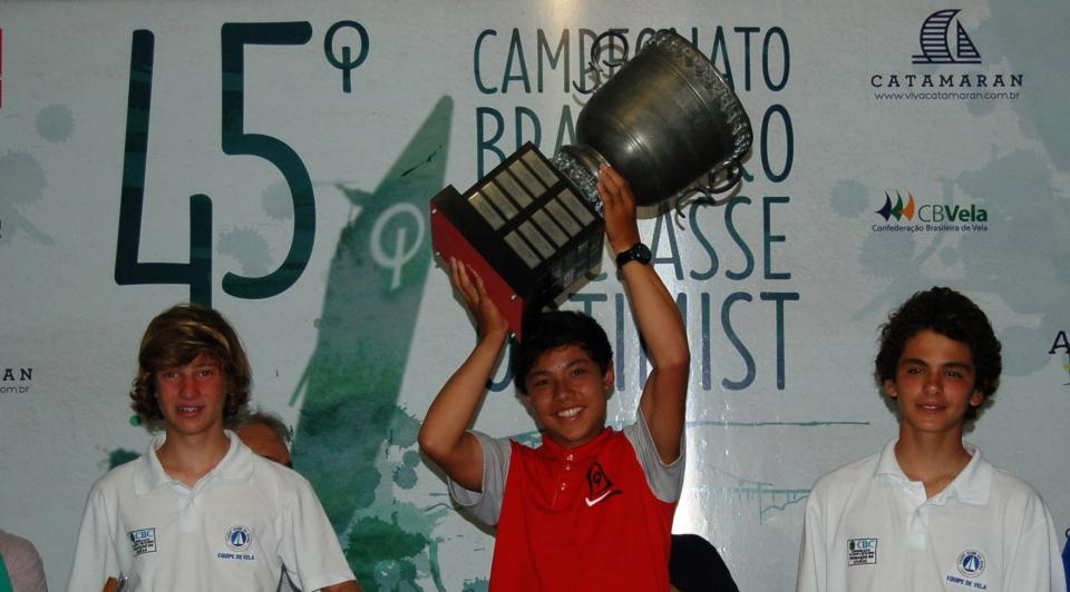 Bernardo Pereira (YCB), Nicolas Bernal (YCSA) e Lucas Urmenyi (YCB)